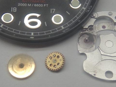 огляд деталей механізму